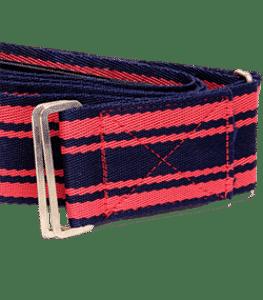 Ein zusammengewickeltes Kofferband